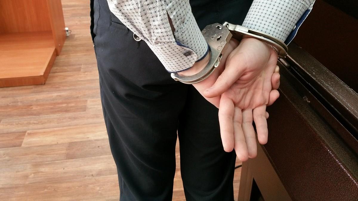 Владивостокского адвоката задержали по обвинению в мошенничестве