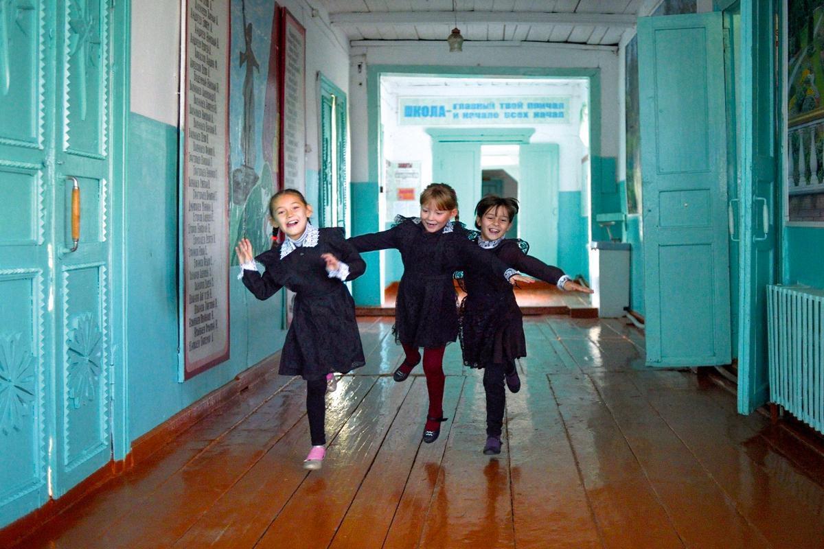 Депутат из Свердловской области предложила сдать сельчанам детей в детдом для экономии на проезде